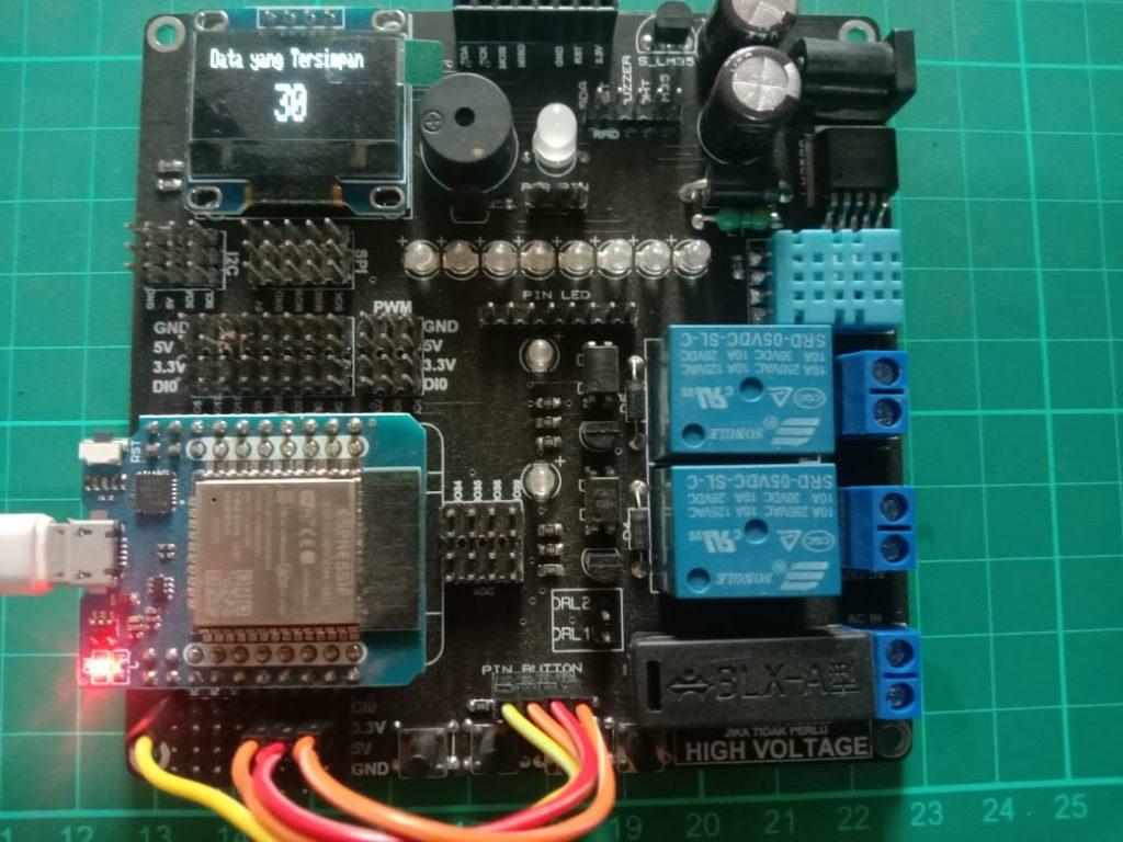 Custom Projek Arduino IoT dan Cetak PCB